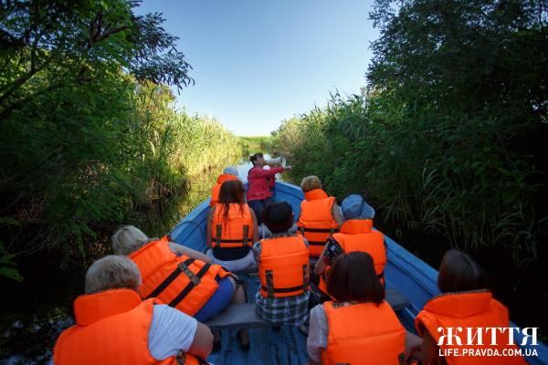 """З Чайки прокладено водну екскурсії плавнями Дніпра до заповідного """"Бобрового озера"""", яке користується попитом навіть в іноземних орнітологів"""