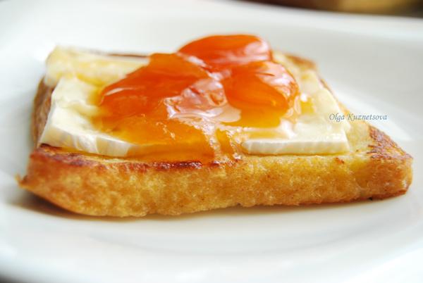 Хліб і джем підвищують рівень цукру в крові та відповідно надмір виробництва інсуліну