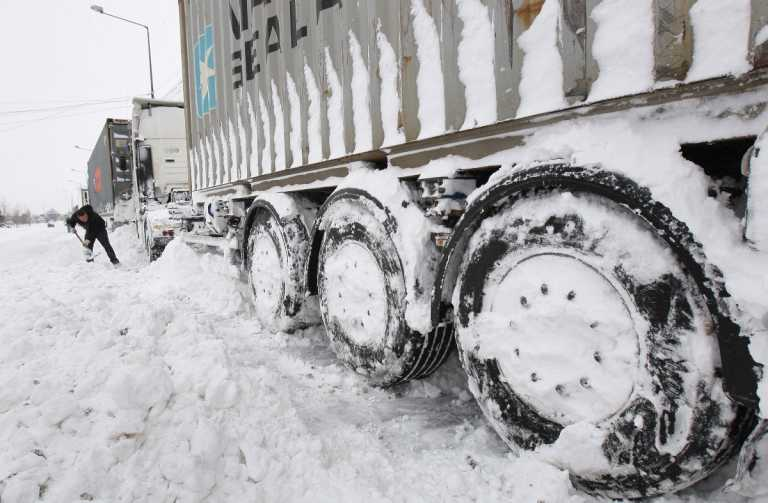 Snowstorm wreaks havoc in central Balkans