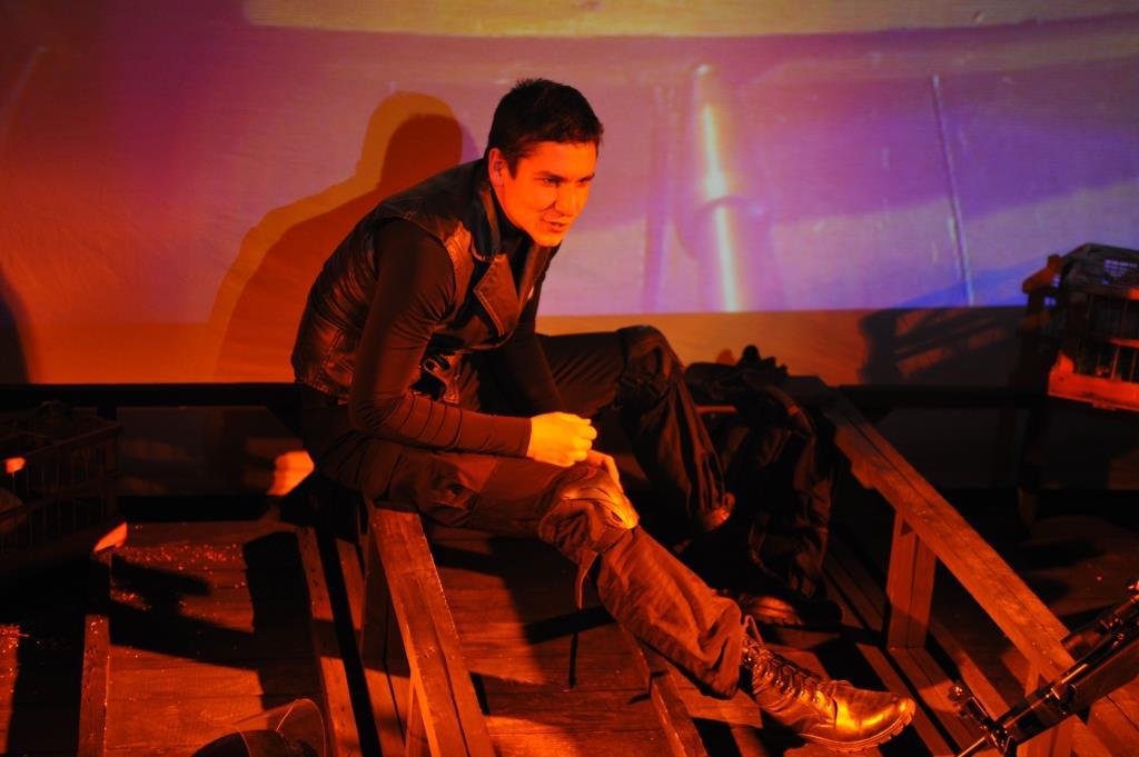 У моновиставі «Лицар храму» ( на Сцені «Під колом») Валерій Гайфуллін грає роль Снайпера Степана