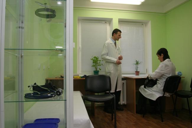 Херсонські пацієнти з ВІЛ отримуватимуть терапію у районних лікарнях